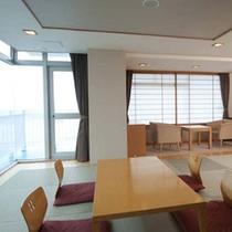特別室。ゆっくり寛ぎながら、雄大な太平洋と鴨川シーワールドを見てみよう。