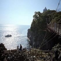 城ケ崎海岸 橋立吊り橋まで 宿から車で約10分です