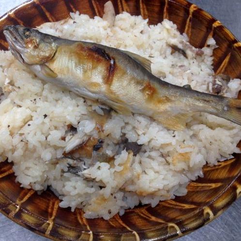 サイドメニュー「鮎御飯」