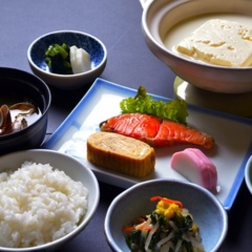 湯豆腐付き朝食