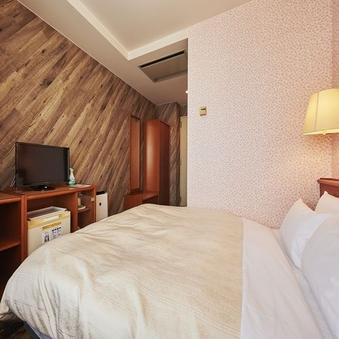 【禁煙】ダブルルーム14.3平米ベッド幅1600