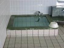 温泉内水風呂