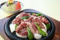 秋田牛鉄板焼き 単品1,900円 定食2,300円