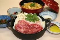 すきやき&比内地鶏ミニ親子丼セット 2,800円