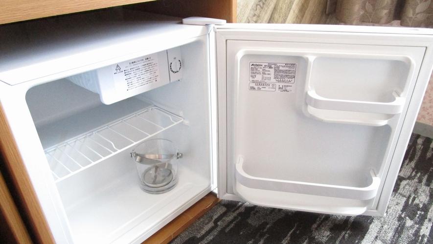 冷蔵庫(製氷機をご利用の方は冷蔵庫内アイスペールをご利用ください)