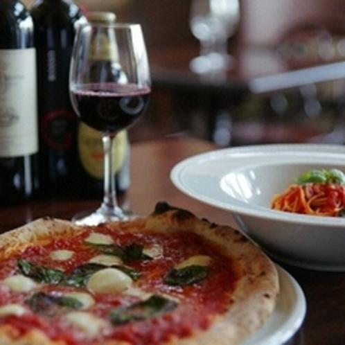 プチボヌールのピッツァとアルコール