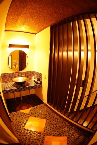 メゾネット2階の洗面所