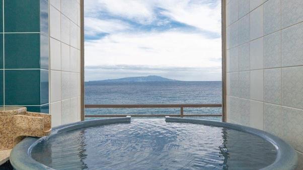 最上階半露天風呂付禁煙和洋室「 旭日 」95平米お部屋食