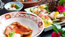 伊勢海老お刺身や鮑料理 金目鯛煮つけがついた豪華海鮮献立