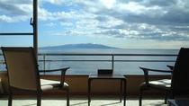 伊豆大島を正面に臨む全客室!日の出をご覧いただけます。
