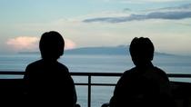 カップルやご夫婦で横に並んで海を眺めてみてはいかがですか?