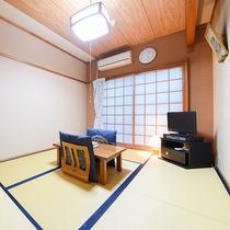 *<和室B>心休まる和の空間が広がるお部屋。団欒のひと時をお過ごし下さい。