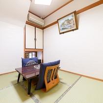 *<和洋室>和と洋、両方の良さを味わえるお部屋。畳のお部屋で団欒のひと時をお過ごし下さい。