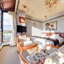 *<オーシャンフロント>窓を開けると心地よい海風が吹き抜け、心ゆくまで絶景をお愉しみいただけます。