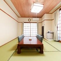 *<和室A>心休まる和の空間が広がるお部屋。団欒のひと時をお過ごし下さい。