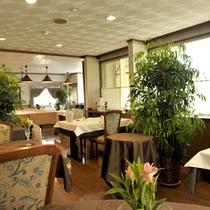 新緑のプチポワレストラン♪