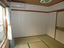客室 2人部屋   {バス・和式トイレ・エアコン付き}