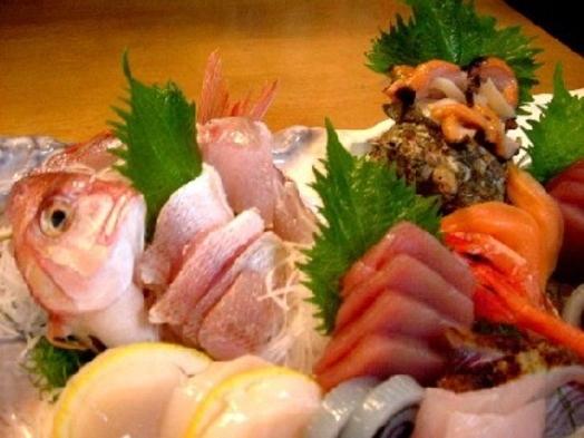 【グレードアップたっぷり地魚盛りプラン】!!スタンダード全12品料理のお刺身を大盛り!!
