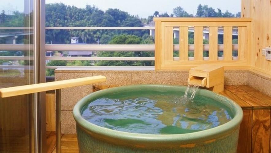 -ラクスイ(楽水)-露天風呂付き和洋室浴槽一例