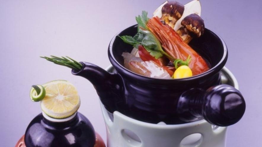 秋季限定の別注料理【松茸土瓶蒸し】 ※要事前予約