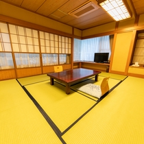 和室10畳+6畳(ロードサイド)
