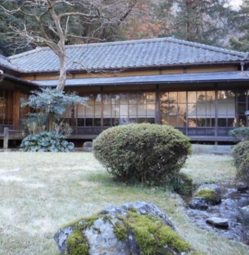当館から箱根旧街道の石畳を抜けたその先にある姉妹店『暁亭』