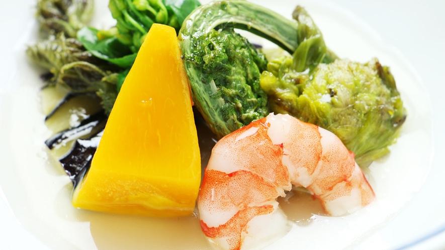 ■【お料理一例~山菜と季節の野菜のあんかけ~】優しい味わいです♪