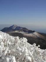 霧島連山の冬景色