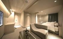 611号室『白銀レイヤー』/白銀を基調とした涼しげな印象。