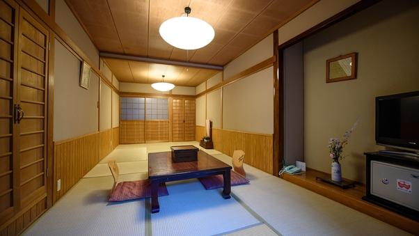 【母屋】11畳の広々和室