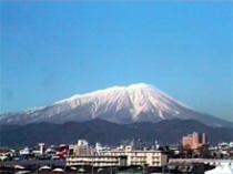 当館から見た岩手山の景色