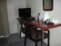 ツインルーム 机