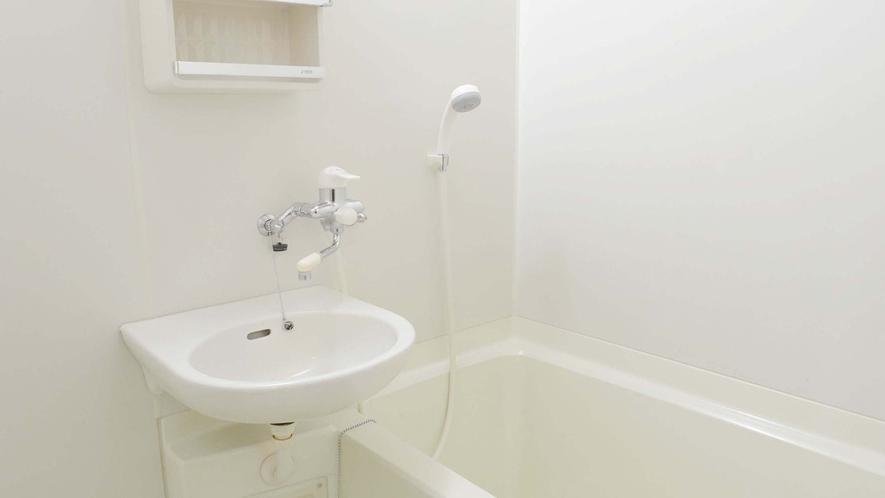 ・松の部屋、竹の部屋はお風呂とトイレ付です