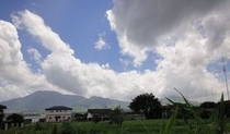 ホテル駐車場から望む阿蘇五岳