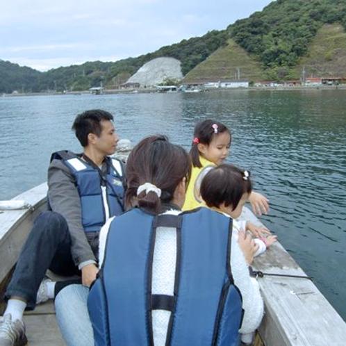 【伝馬船体験プラン】一隻に3~4人まで、小学生以上のお子様も乗船できます