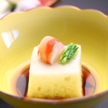 山海の旬の味覚を料理長が厳選して選りすぐり、一番おいしい食べ方でご提供します。お料理内容一例