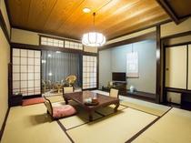 【和室10畳】1階と2階のお部屋がございます。