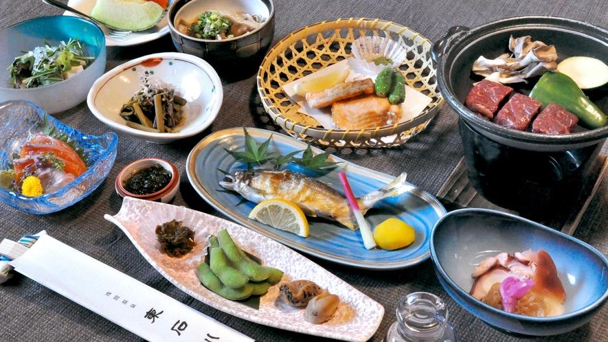 【夕食】国産和牛の陶板焼きなど、信州の郷土食をご堪能ください。