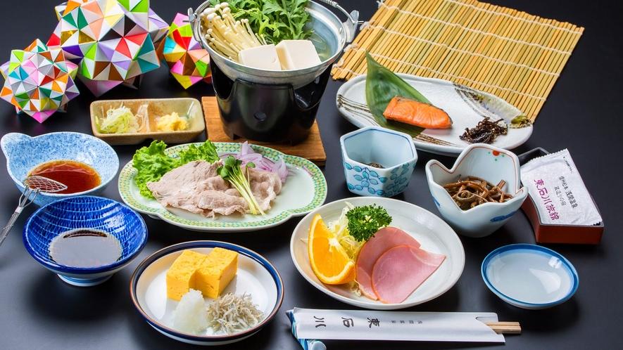 【朝食】松本産こしひかりのごはんを中心に、地産地消に力を入れています。