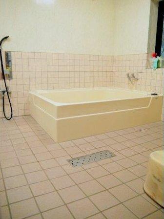 広々した浴室でご家族の談話をお楽しみ下さいませ♪