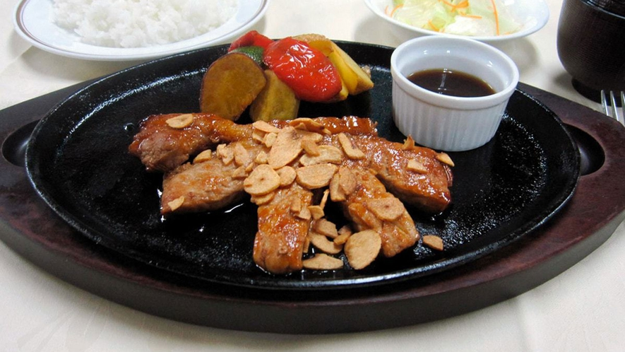 【レストランメニュー】ニンニクパワーでスタミナ満点トンテキ定食