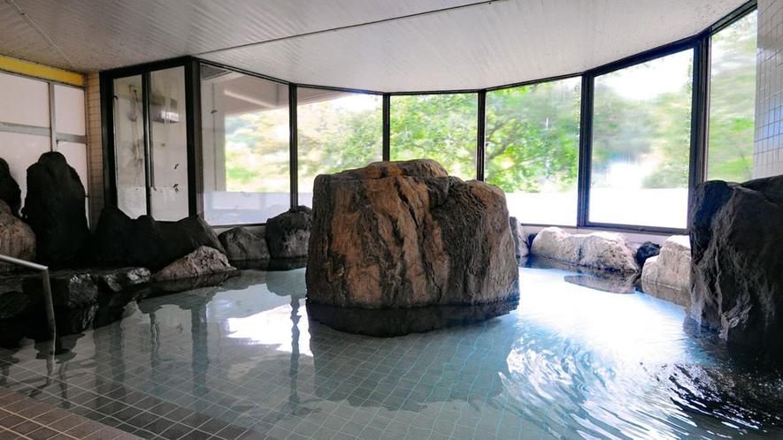 【岩風呂】身体の芯から温まります。