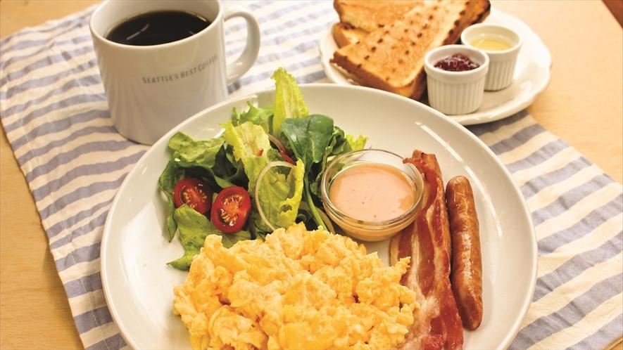 カフェ朝食スクランブルエッグ