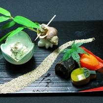 【 料理一例 】7月前菜(鰯・蓮根・イクラ・ほおずき・あんず・もろこしコーン)