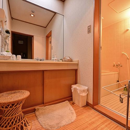 【和室/筑波】全室バス・ウォシュレットトイレ付。こちらは筑波のお部屋です。