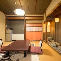 【和室/東山】6帖 + 6帖の細部が一室ずつ異なる作りのお部屋。