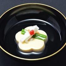 【滋味料理】一品一品盛り付けにもこだわったお食事を、どうぞお楽しみ下さい。