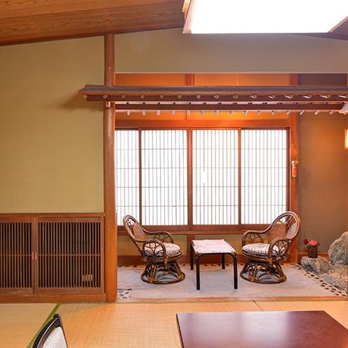 【和室/嵯峨野】旅の思い出を窓辺に座って談笑するのも楽しいですね