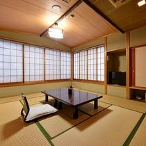 【和室/筑波】お部屋から筑波山は見えませんが、当館の最上階で位置し明るく広々とした和室です。