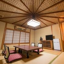 【和室/西陣】お経の「経」の文字は経糸と読む為、一枚の織物をイメージしたお部屋となっております。